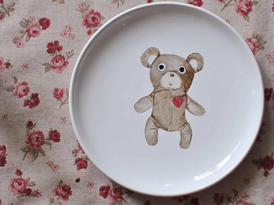 piatto di ceramica con orsetto